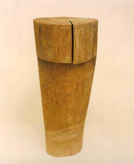 """""""Senza titolo"""" scultura in legno, 65 x 27 x 29 cm"""