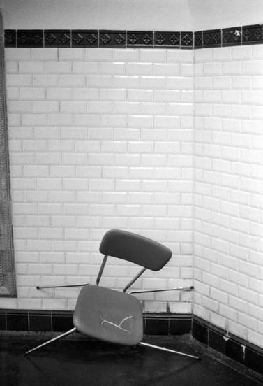 FRANCE, Paris: killed chair in the subway.(c) Ferdinando Scianna/Magnum Photos