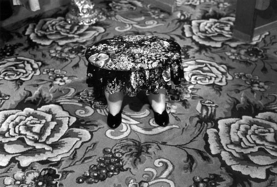 USA, California: funny footstool.(c) Ferdinando Scianna/Magnum Photos