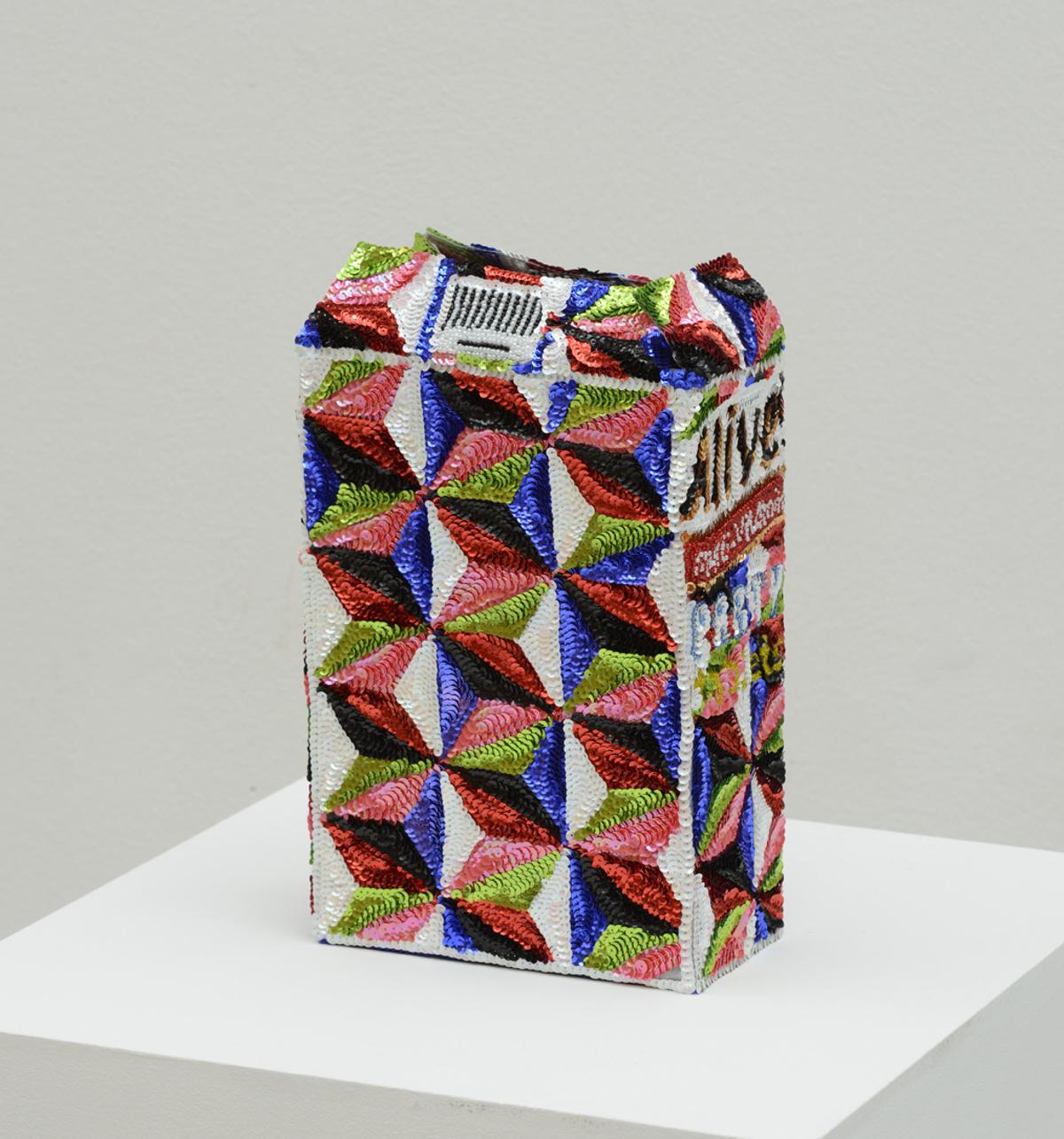 """""""Alive multivitamin flowerpot party tablets"""" 2012-15, paillettes cucite a mano su tela, ferro e smalto, 28 x 19 x 10 cm"""
