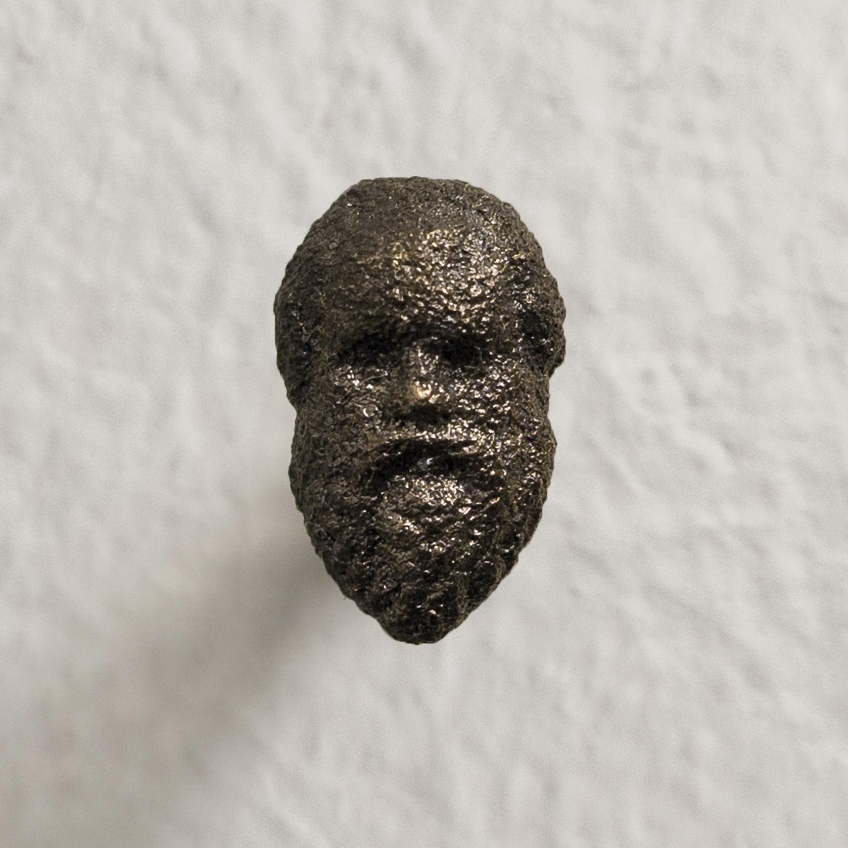 """""""Socrate (I filosofi)"""" 2016, ferro, 8 x 22 x 5 mm"""