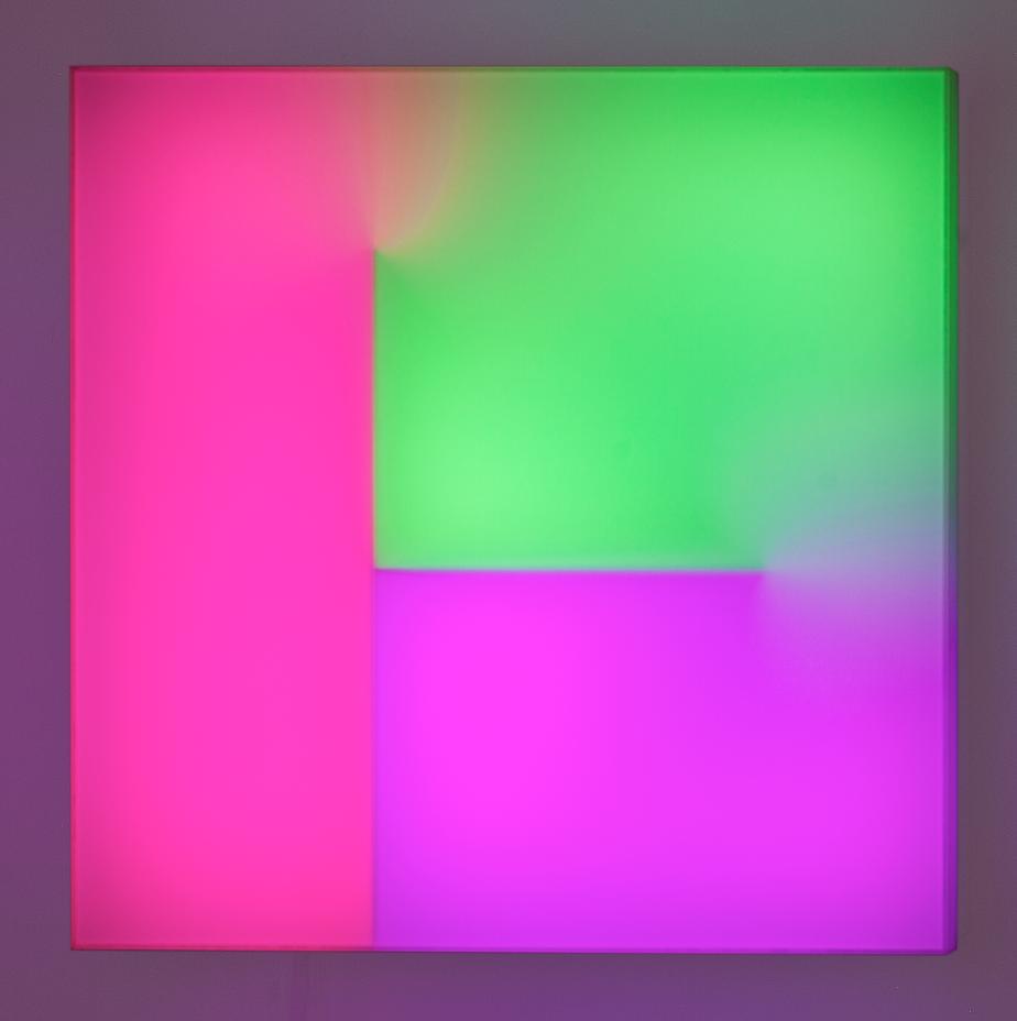 """Light box"" 2016, plexiglass legno e LED, 65 x 65 x 20 cm"