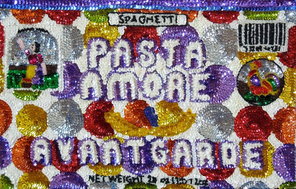 """""""Pasta, amor e avantgarde"""" 2015, paillettes cucite a mano su tela, 28 x 44 cm"""