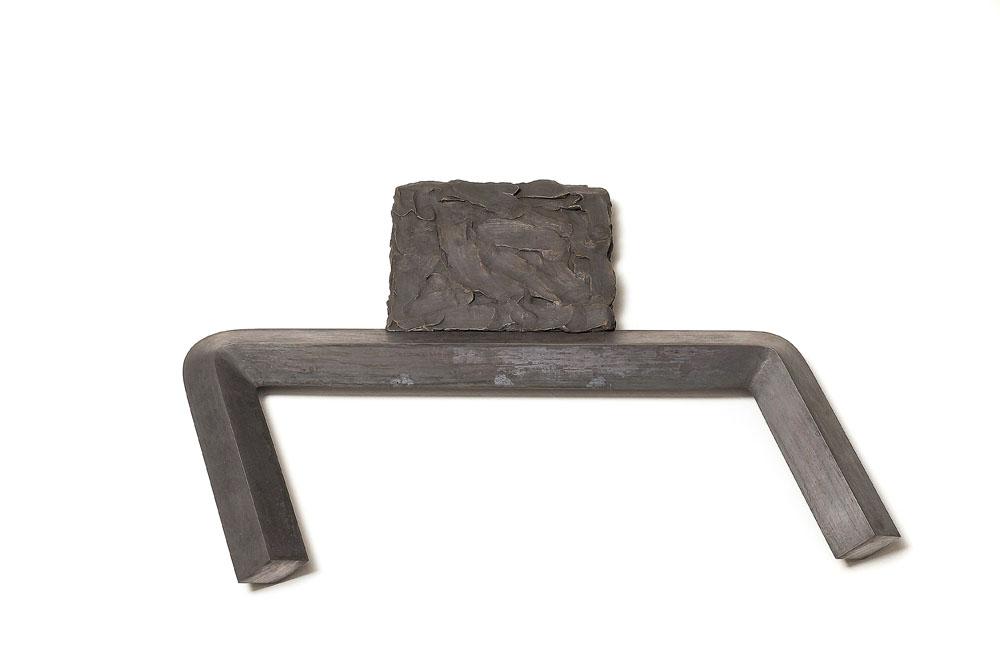 """""""Rilevatore plastico"""" 2012, bronzo fuso, 4.2 x 57 x 38.5 cm"""
