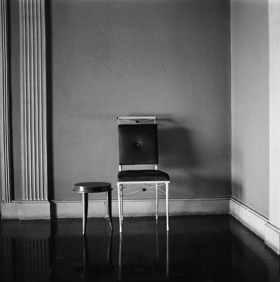 """Ballerina chair, Poora"" 2002, fotografia 25 x 25 cm"