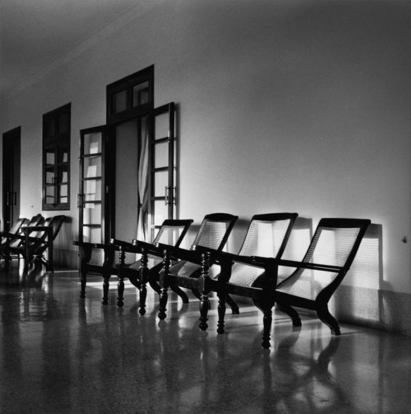 """Chair family, Morvi"" 2005, fotografia 25 x 25 cm"